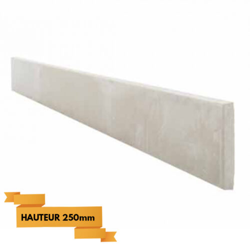soubassement-beton-bord-plat